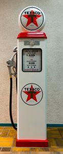 Benzinepomp - reproductie Texaco Star - gemonteerd