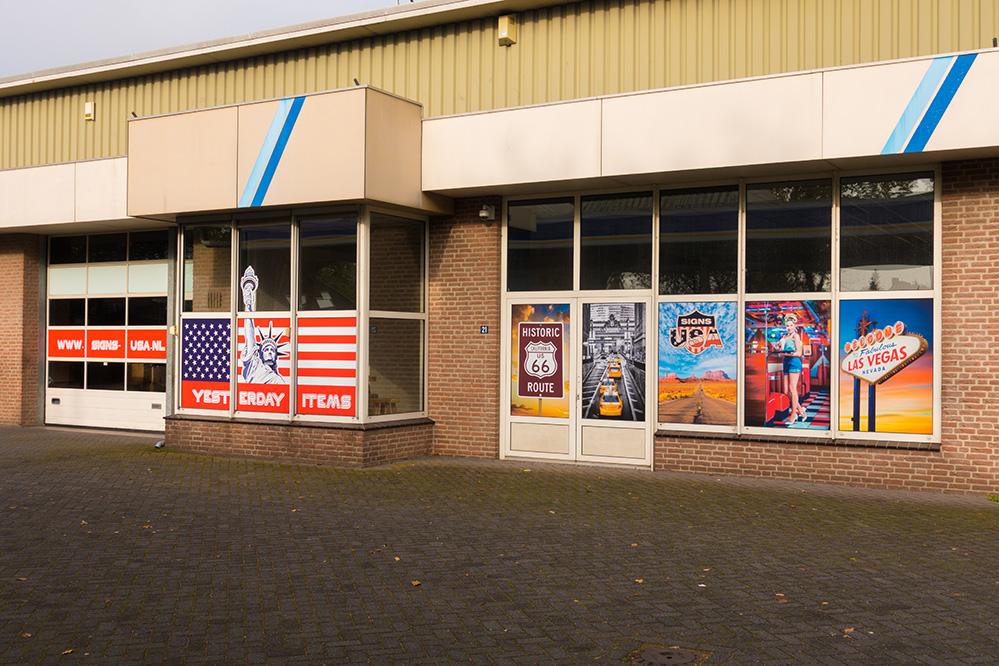 Showroom Signs USA in Hapert